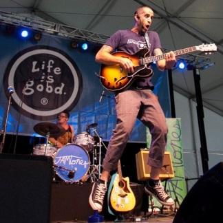 Josh and the Jamtones